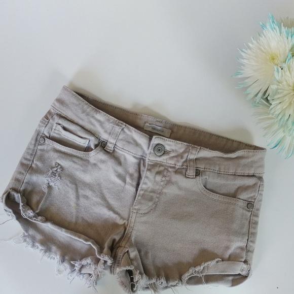 Bullhead Pants - Bullhead cut off khakis shorts
